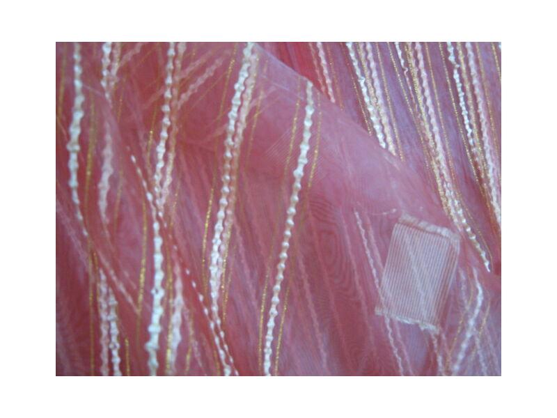 halványbordó függöny csíkos-kockás mintával 300cm x 250cm