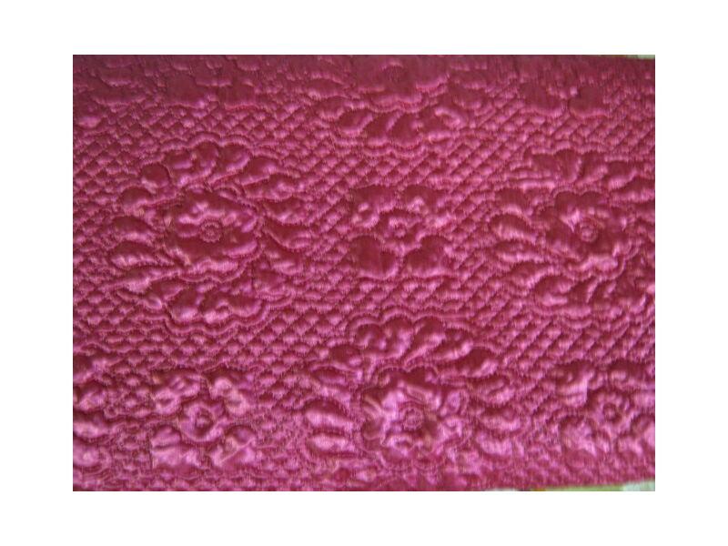 Ágytakaró párnákkal bordó színben 200x210cm